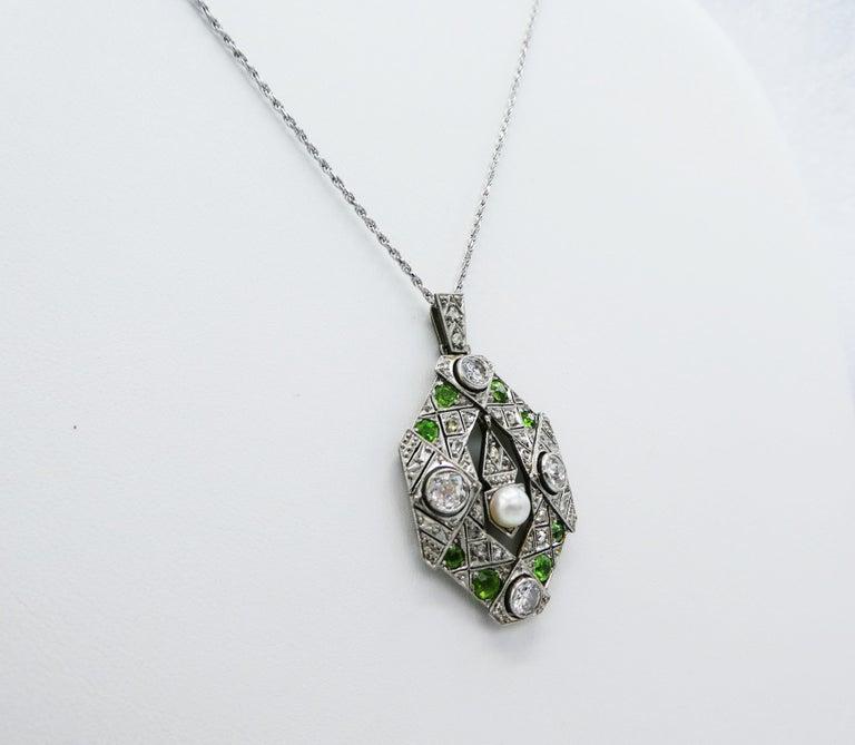 Women's Art Deco Old European and Mine Cut Diamond Peridot Peal Pendant Necklace For Sale
