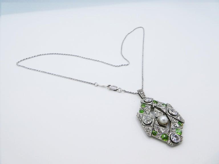 Art Deco Old European and Mine Cut Diamond Peridot Peal Pendant Necklace For Sale 2