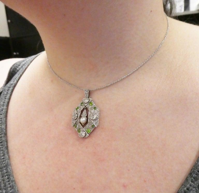 Art Deco Old European and Mine Cut Diamond Peridot Peal Pendant Necklace For Sale 3