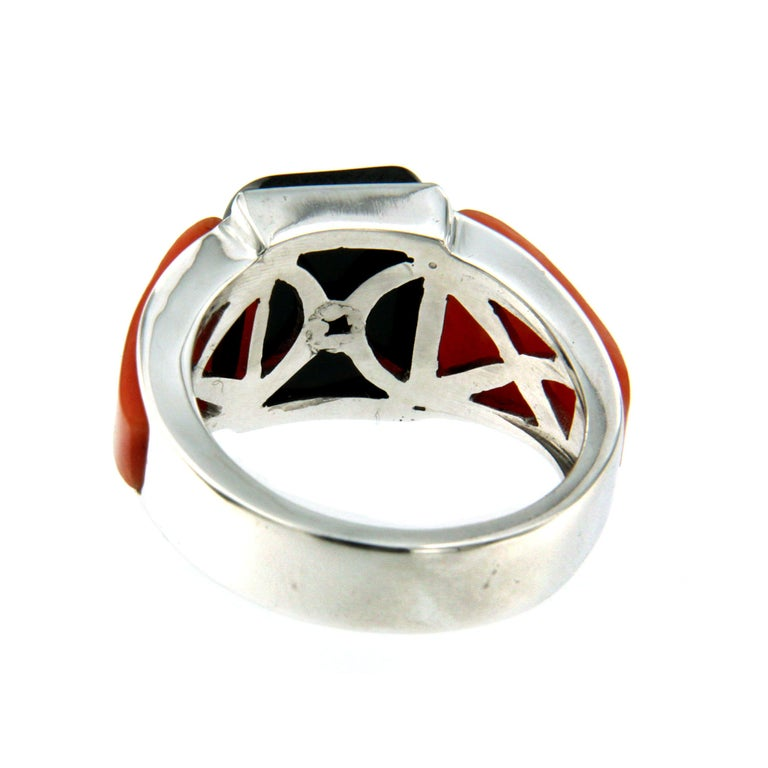 Women's or Men's Art Deco Onyx Coral 0.85 Carat Diamond Gold Ring For Sale