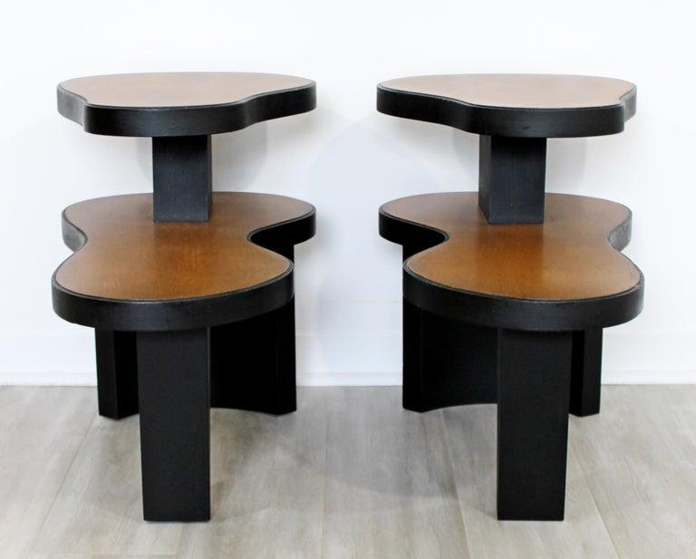 Wood Art Deco Pair 2 Tier Kidney Amoeba Shaped Side End Tables 1940s Rhode Deskey Era For Sale