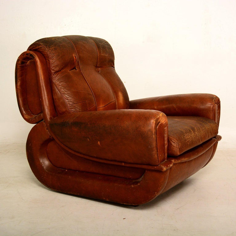 Art Deco Pair of French Armchairs In Distressed Condition For Sale In National City, CA