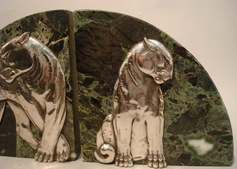 Art Deco Pair of Panther Bookends, Silvered Bronze and Marble, France, 1920s For Sale 5