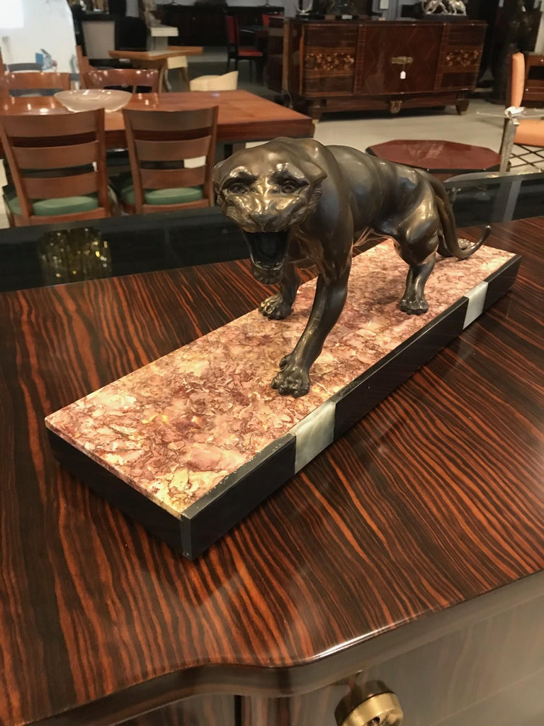 Art Deco Panther Sculpture on Marble Base In Excellent Condition For Sale In North Bergen, NJ
