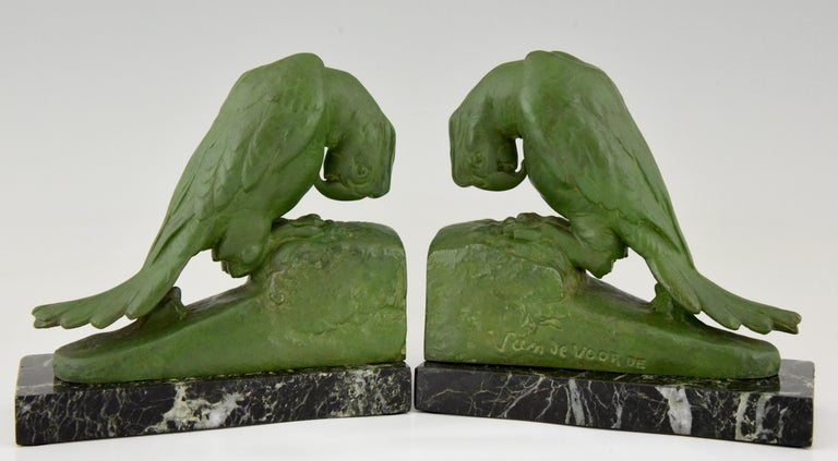 French Art Deco parrot bookends by Georges Van de Voorde France 1925 For Sale