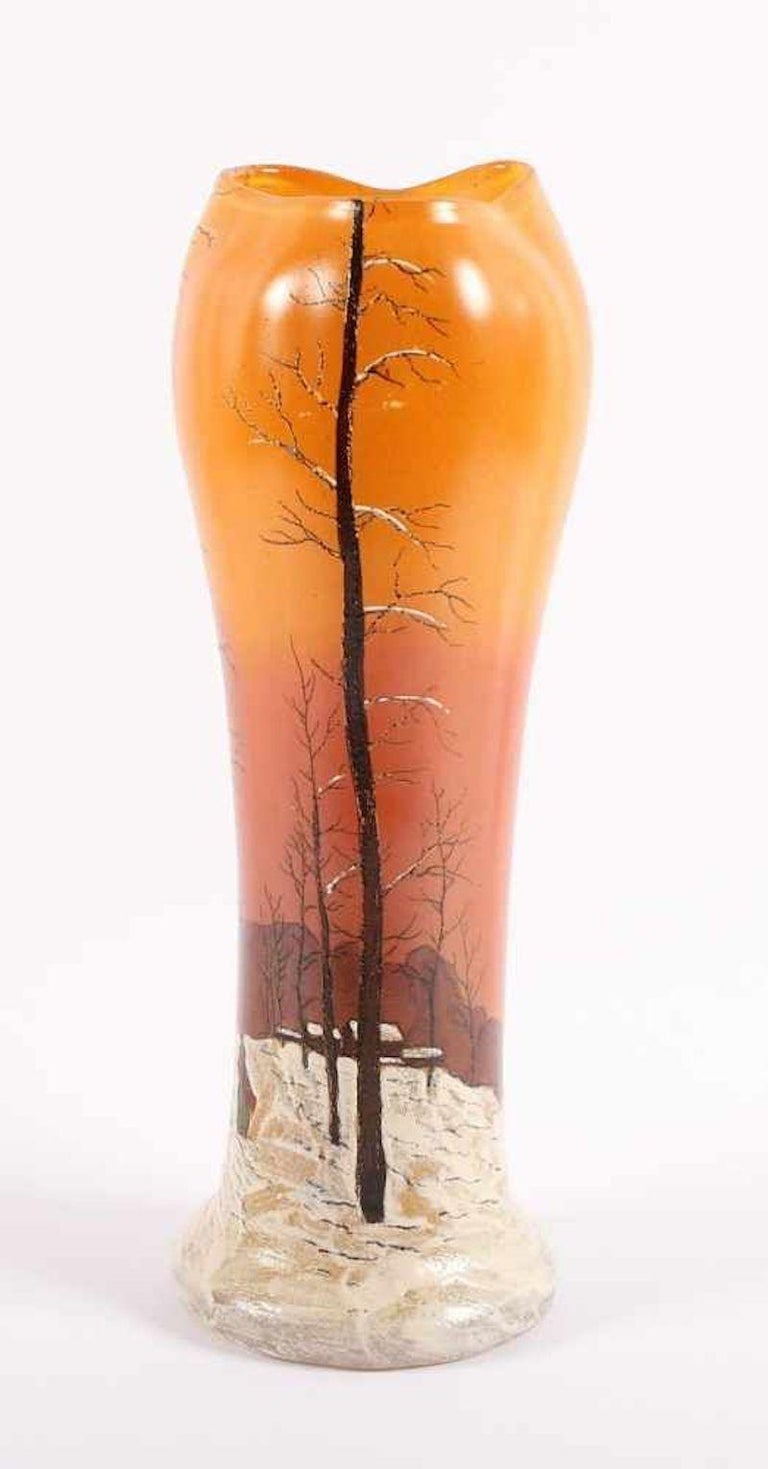 Paysage de Neige vase is an original decorative object realized in the 1920s by François-Théodore Legras.