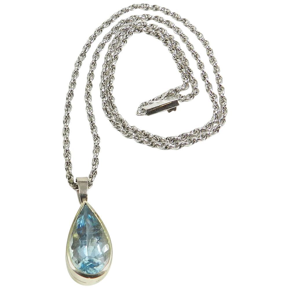 Art Deco Pear Shaped Aquamarine Gold Pendant Necklace, circa 1930