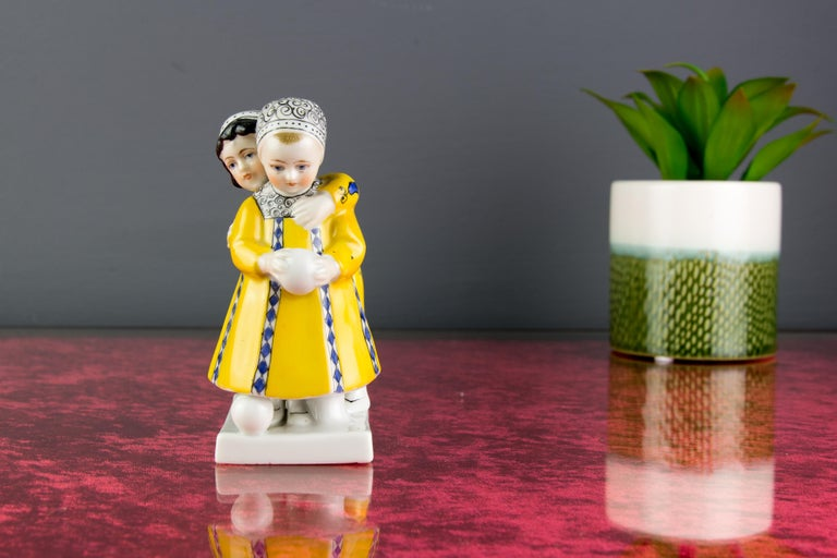 Art Deco Period Goebel Porcelain Figure Group of Two Children with Ball, 1920s For Sale 4