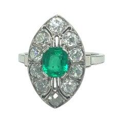 Art Déco Platinum 18 Karat White Gold Emerald Diamond Dress Cocktail Ring
