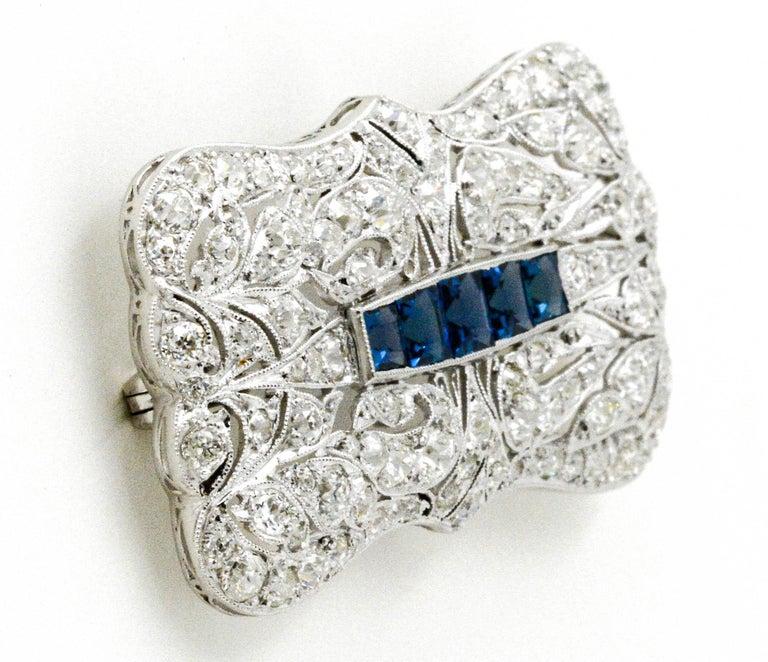 Art Deco Platinum 4.0 Carat Diamond and Sapphire Pin For Sale 1
