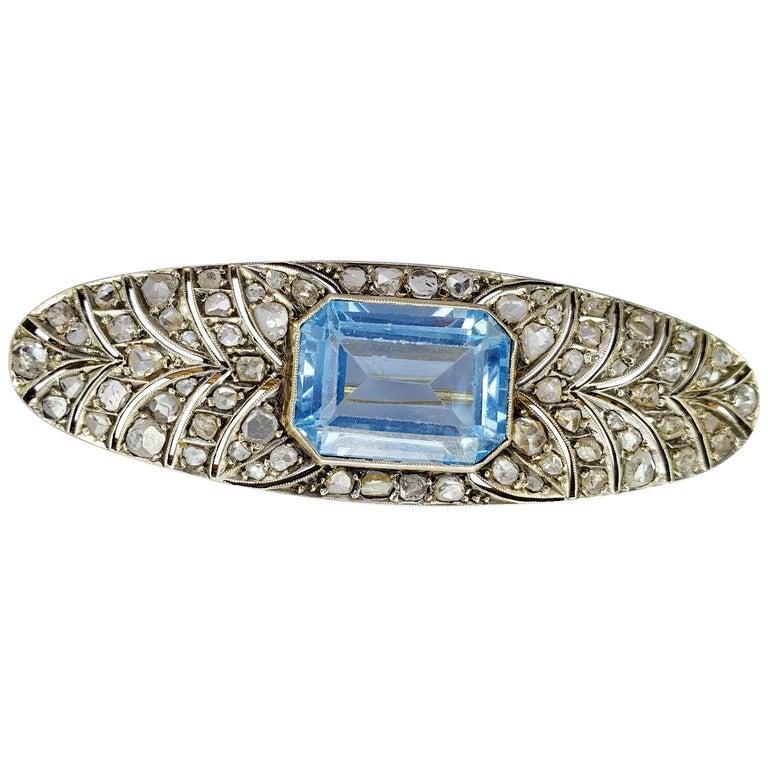 Art Deco Platinum and Rose Gold 18 Karat Brooche For Sale