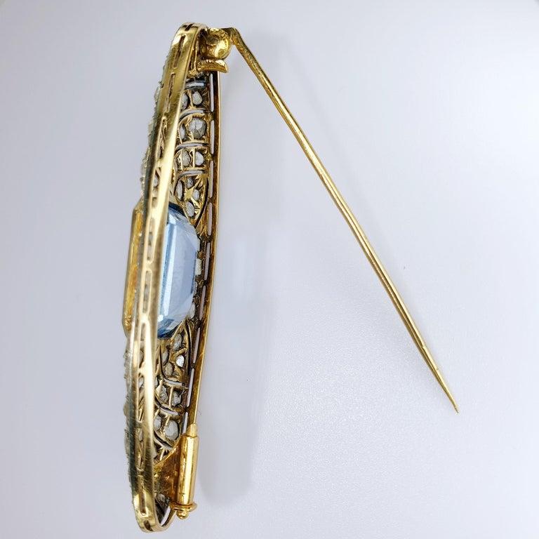 Brilliant Cut Art Deco Platinum and Rose Gold 18 Karat Brooche For Sale