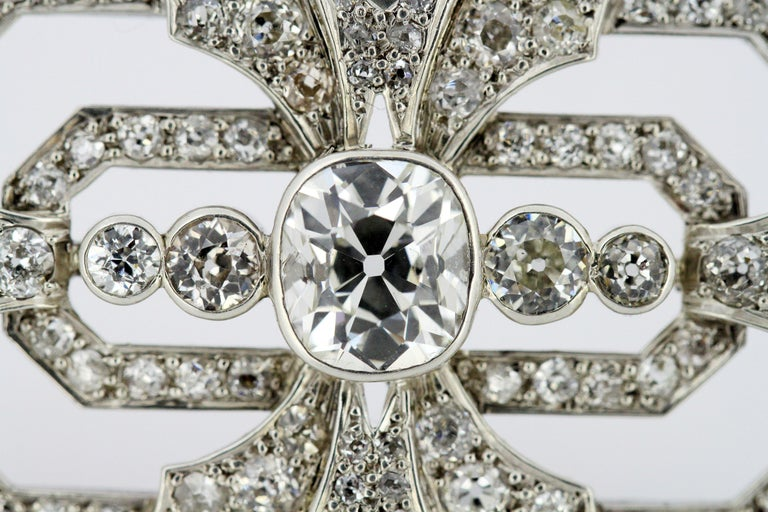 Art Deco Platinum Brooch with Diamonds, 1920s For Sale 2