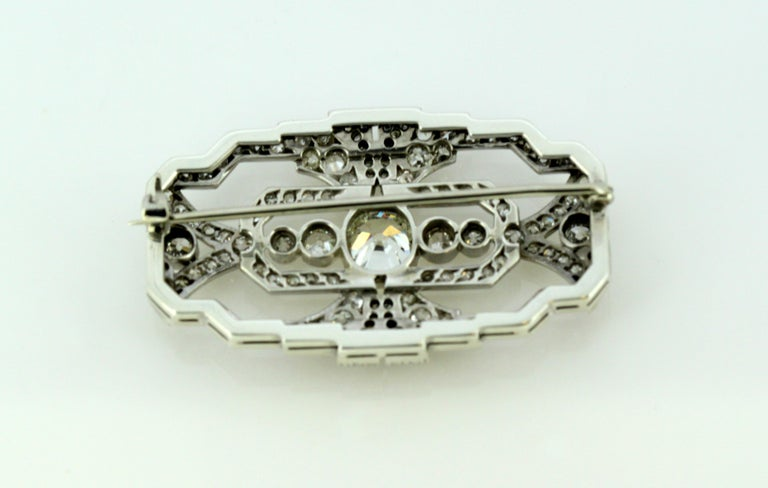 Art Deco Platinum Brooch with Diamonds, 1920s For Sale 4