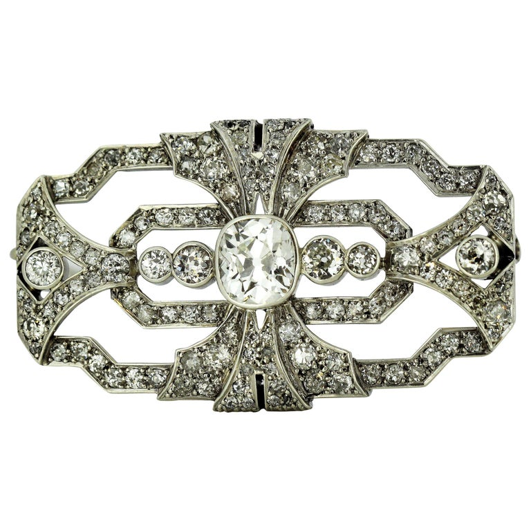 Art Deco Platinum Brooch with Diamonds, 1920s For Sale