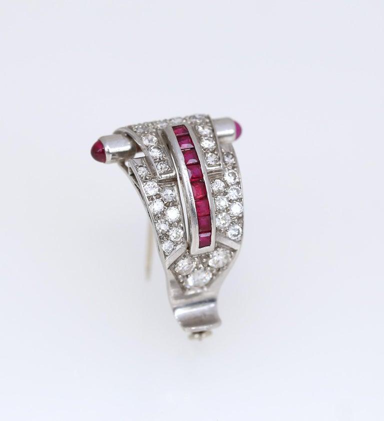 Art Deco Platinum Diamond 1.35 Carat Rubi Brooch Pin In Good Condition For Sale In Herzelia, IL