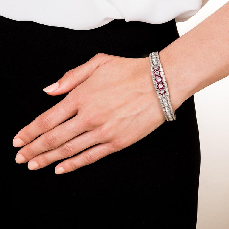 Art Deco Platinum Diamond and Ruby Bracelet In Excellent Condition For Sale In San Francisco, CA