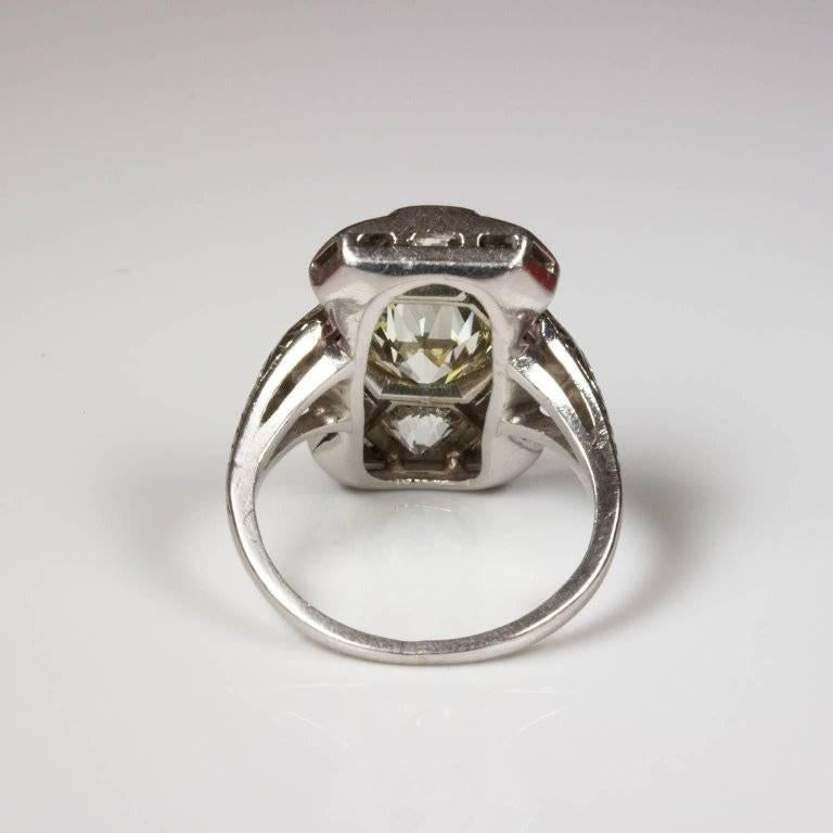 Art Deco 3.01 Carat Diamond Platinum Hexagon Ring In As new Condition For Sale In Perth, AU