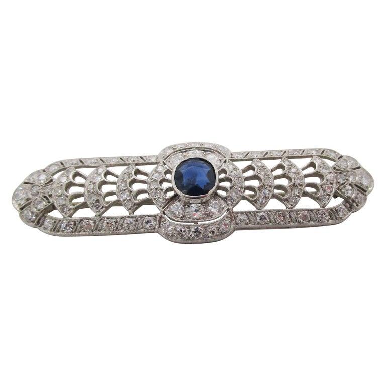 Art Deco Platinum No Heat Blue Sapphire and Diamond Architectural Bar Pin For Sale