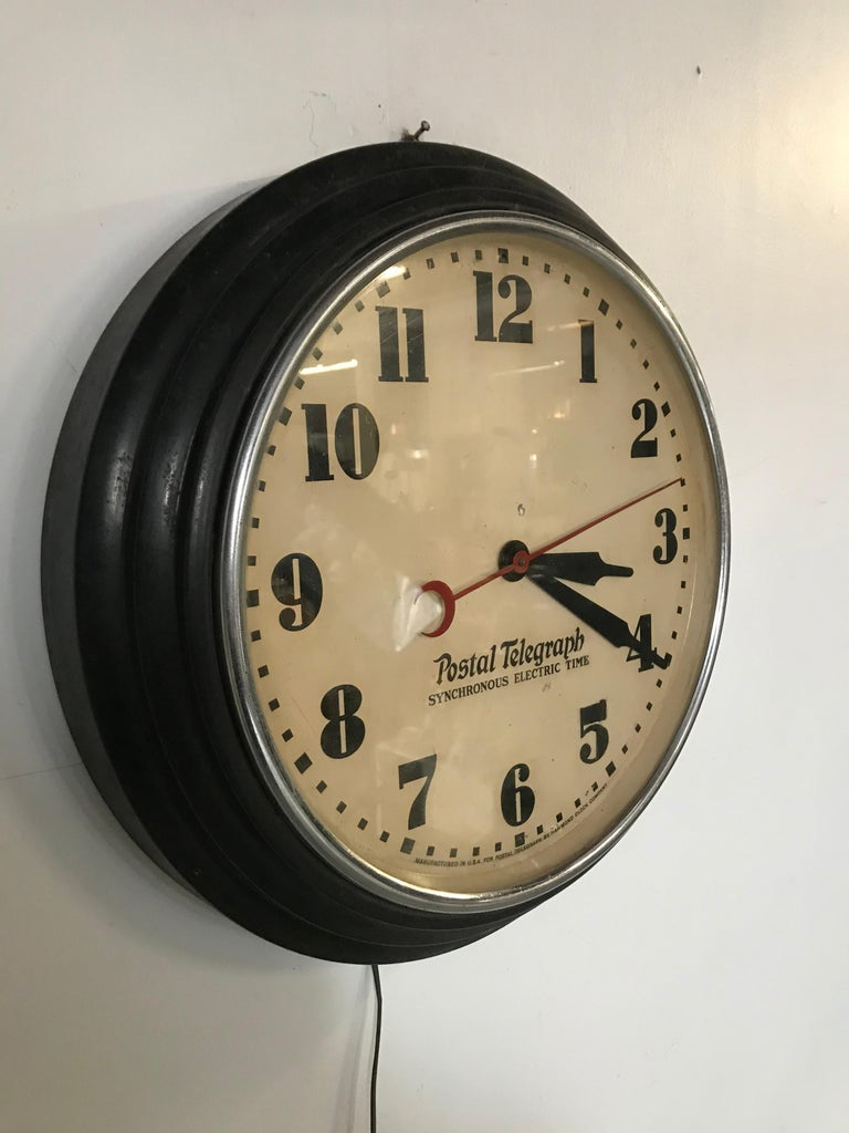 Art Deco postal telegraph wall clock, synchronous Hammond Clock Co., Classic Art Deco design, working and keeps accurate time.