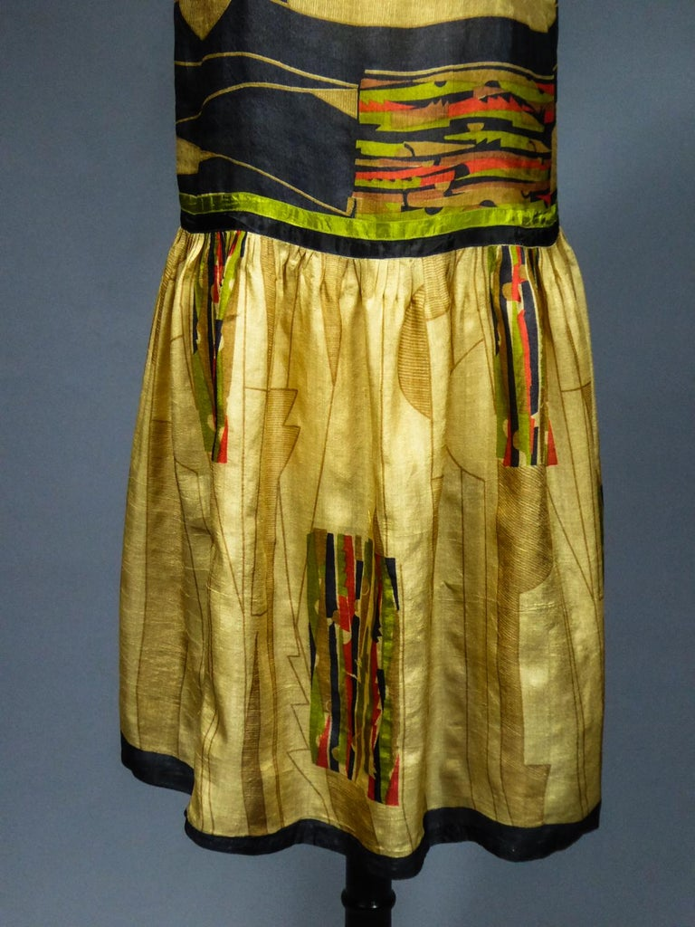 Art Deco Printed Dress Sonia Delaunay or Russian Ballet inspiration Circa 1920 In Excellent Condition For Sale In Toulon, FR