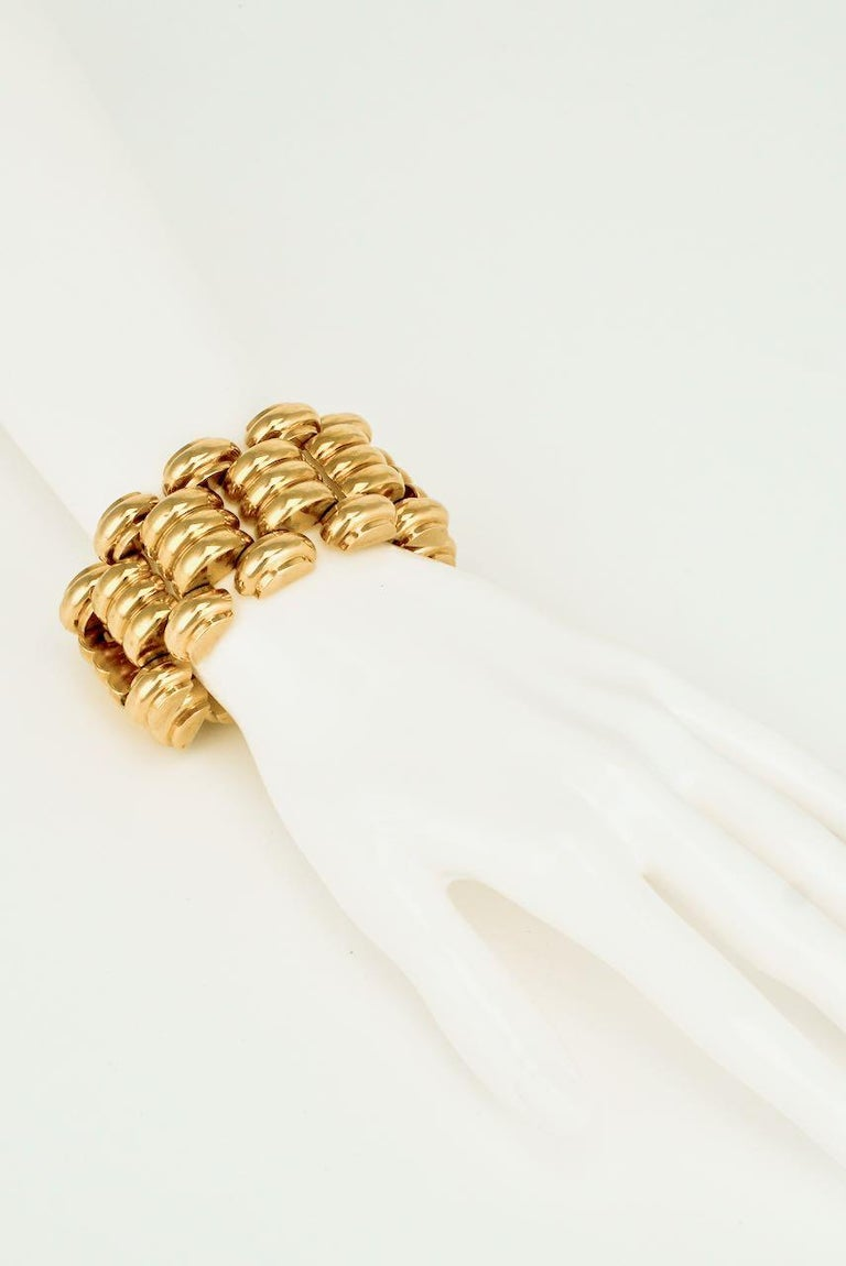 Women's Art Deco Retro 18 Karat Yellow Gold Wide Ribbed Link Bracelet 1950s 131grms For Sale