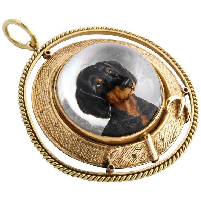 Art Deco Reverse Crystal Intaglio of a Dachshund For Sale