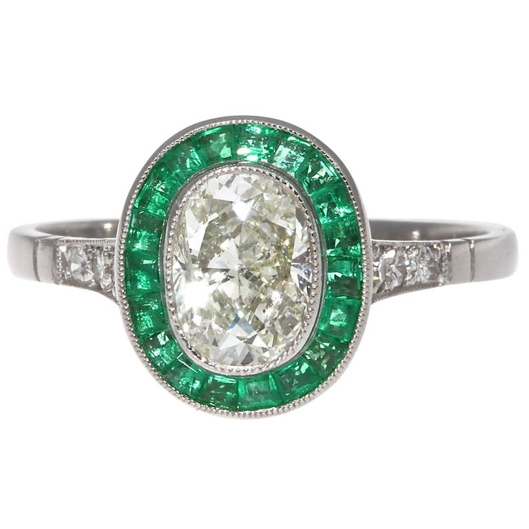 Art Deco Revival 1.01 Carat Diamond Emerald Platinum Engagement Ring For Sale
