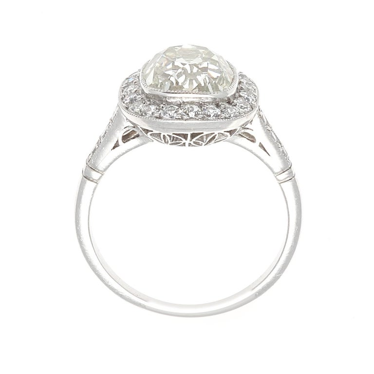 Art Deco Revival 2.94 Carat Diamond Platinum Engagement Ring In New Condition For Sale In Beverly Hills, CA