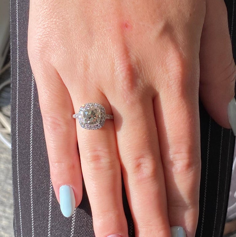 Art Deco Revival 2.94 Carat Old Mine Cut Diamond Platinum Engagement Ring For Sale 2