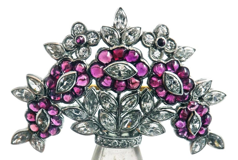 Art Deco Rock Crystal Ruby Diamond Platinum Brooch In Excellent Condition For Sale In New York, NY