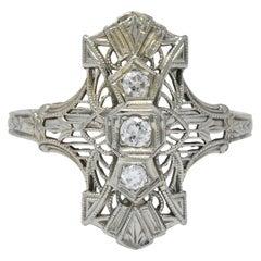 Art Deco Round Brilliant Diamond 18 Karat White Gold Dinner Ring