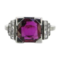 Art Deco Ruby Diamonds Ring, 18 Karat White Gold and Platinum, circa 1925