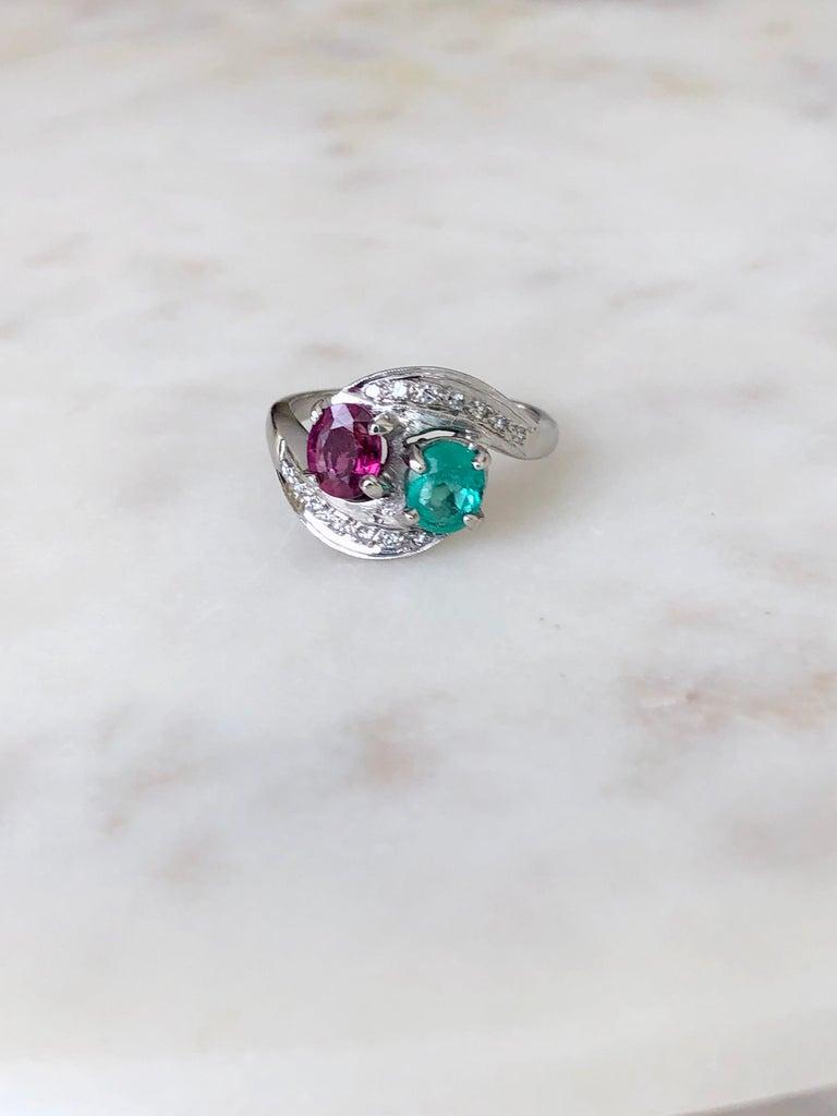 Art Deco Toi et Moi Ruby Emerald Diamond Platinum Ring For Sale 1