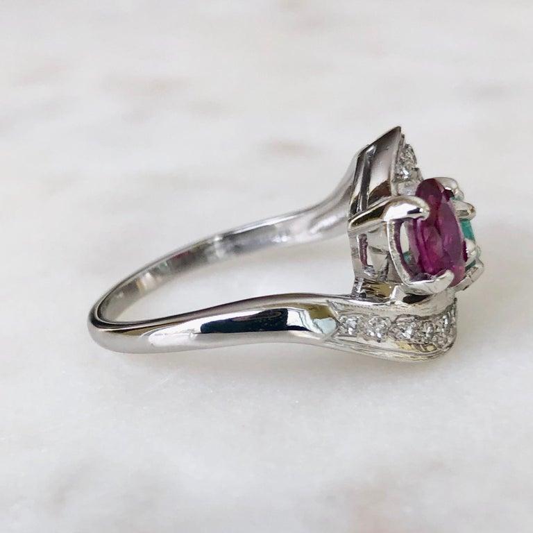 Art Deco Toi et Moi Ruby Emerald Diamond Platinum Ring For Sale 5