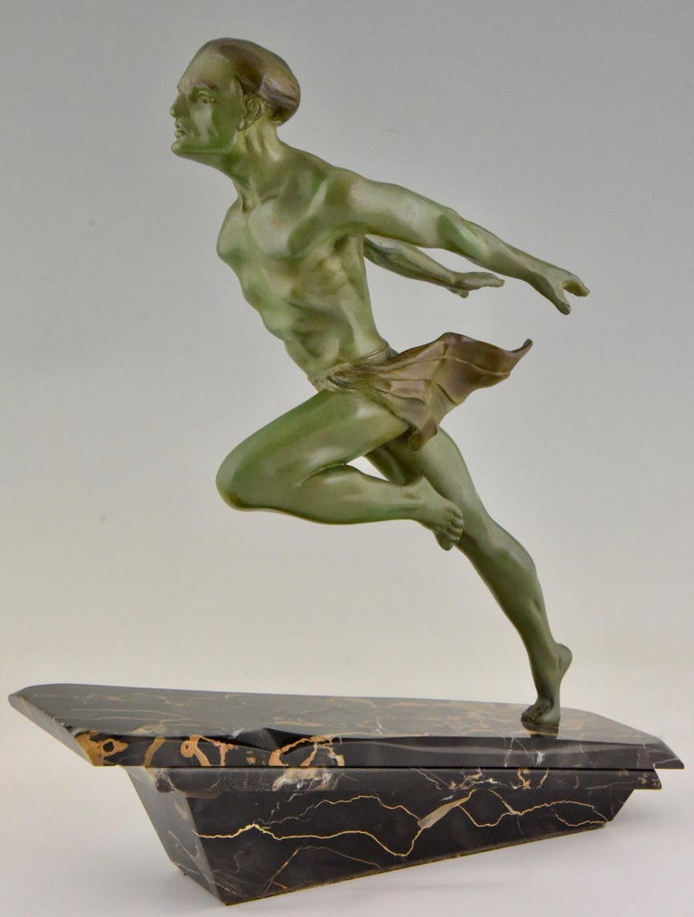 Art Deco Running Man Statue by L. Valderi French In Good Condition For Sale In Oakland, CA