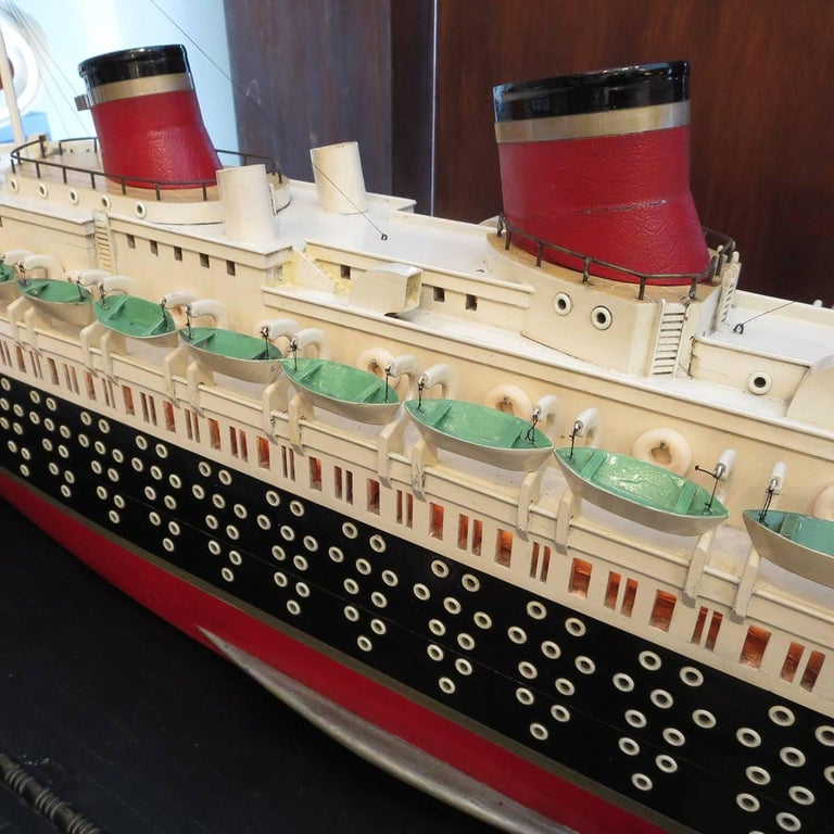 Art Deco S S Normandie Ocean Liner Travel Agency Display Model, circa 1935 In Excellent Condition For Sale In Los Angeles, CA