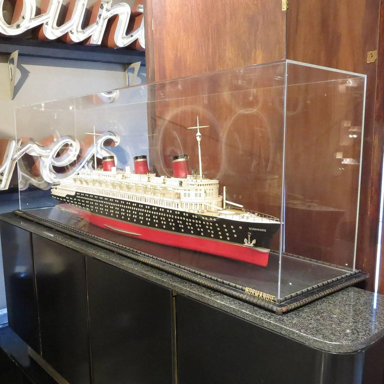 Art Deco S S Normandie Ocean Liner Travel Agency Display Model, circa 1935 For Sale 2