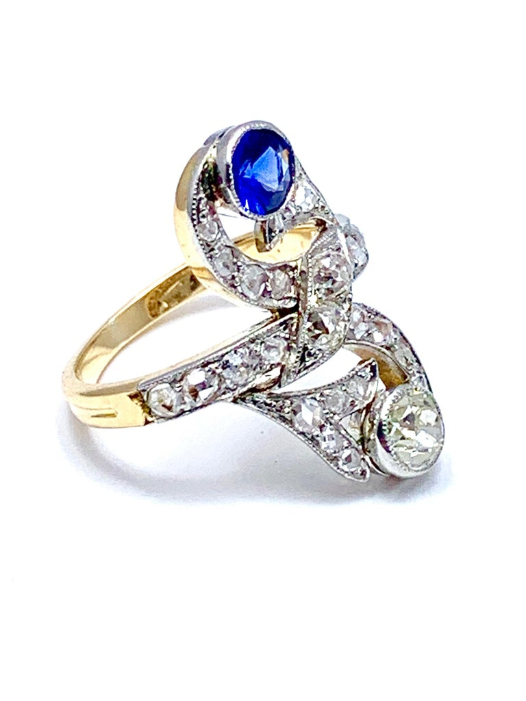 Round Cut Art Deco Sapphire and Diamond 18 Karat Cocktail Ring For Sale
