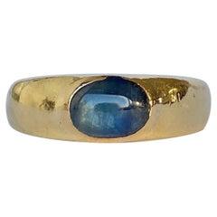 Art Deco Sapphire Cabochon 18 Carat Gold Gypsy Ring