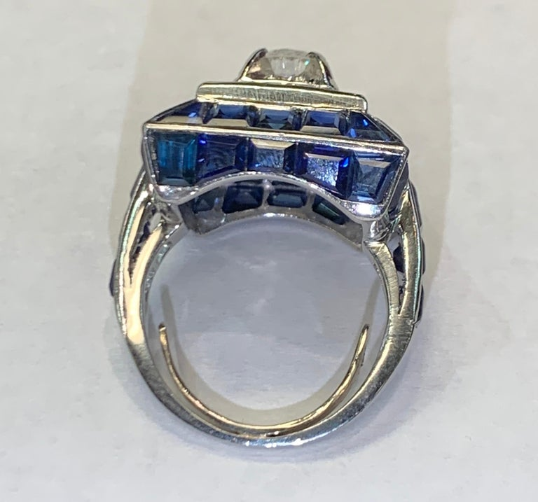 Art Deco Sapphire and Diamond Ring In Excellent Condition For Sale In New York, NY