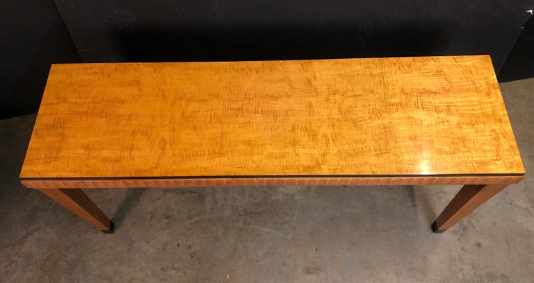 Art Deco Satinwood Console Table In Good Condition For Sale In New York, NY