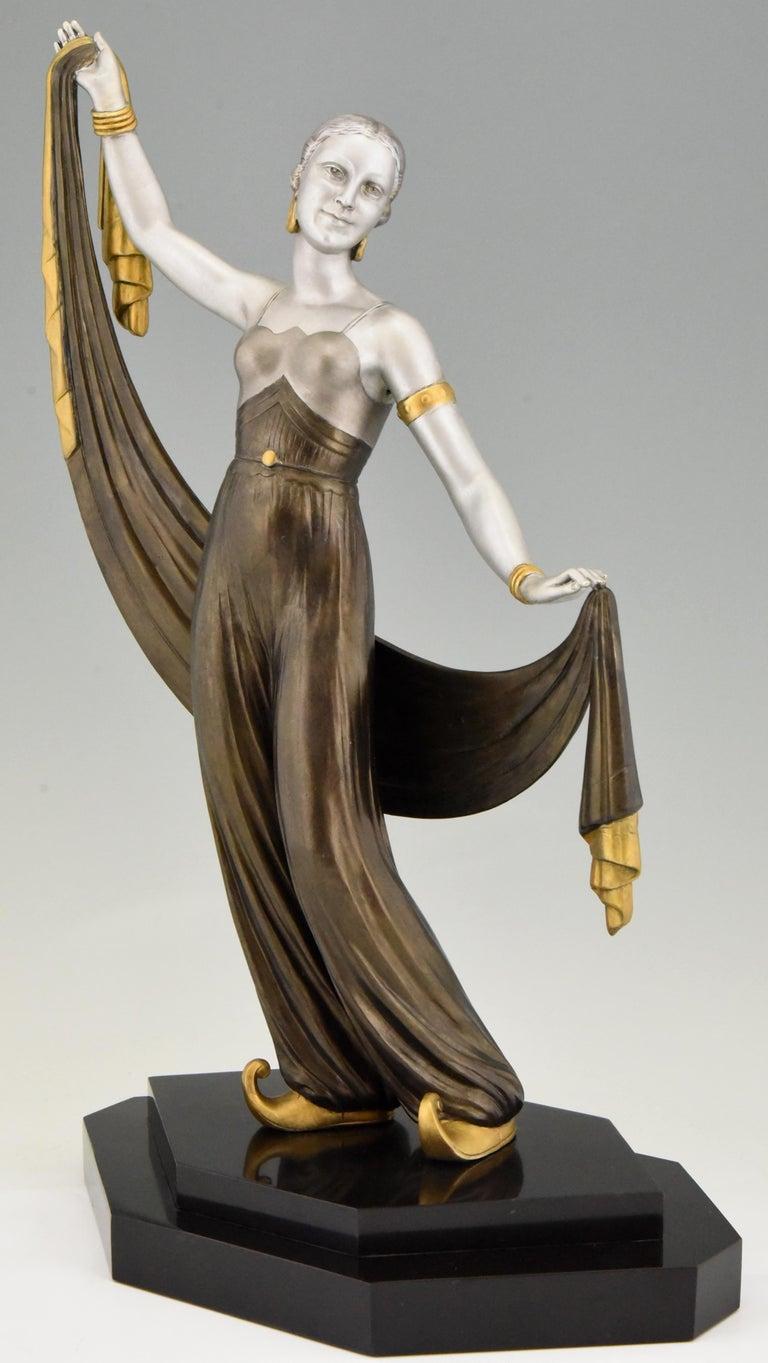 French Art Deco Sculpture Harem Dancer Salvador, France, 1930 For Sale