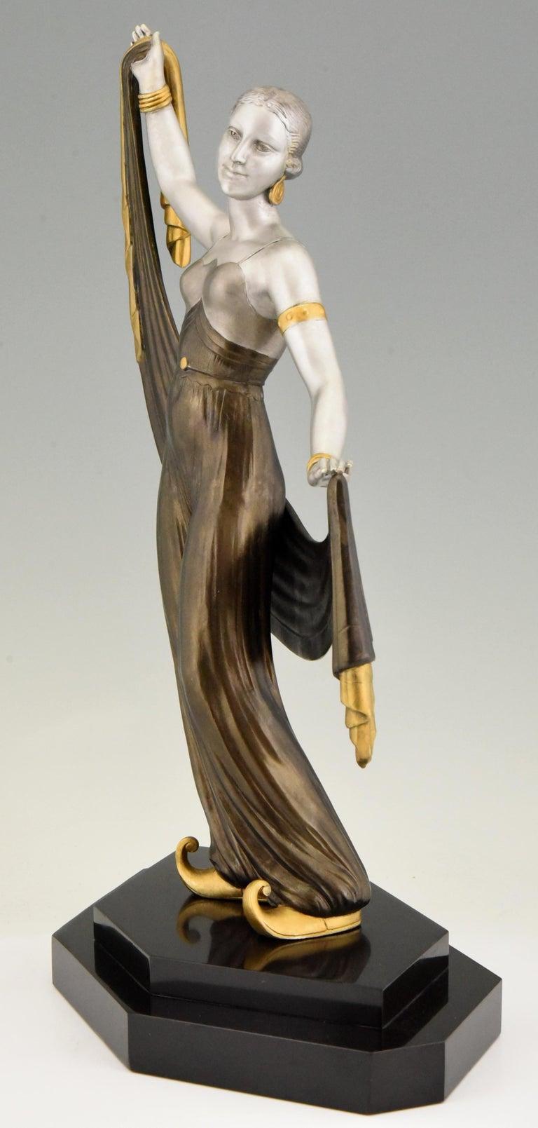 Patinated Art Deco Sculpture Harem Dancer Salvador, France, 1930 For Sale
