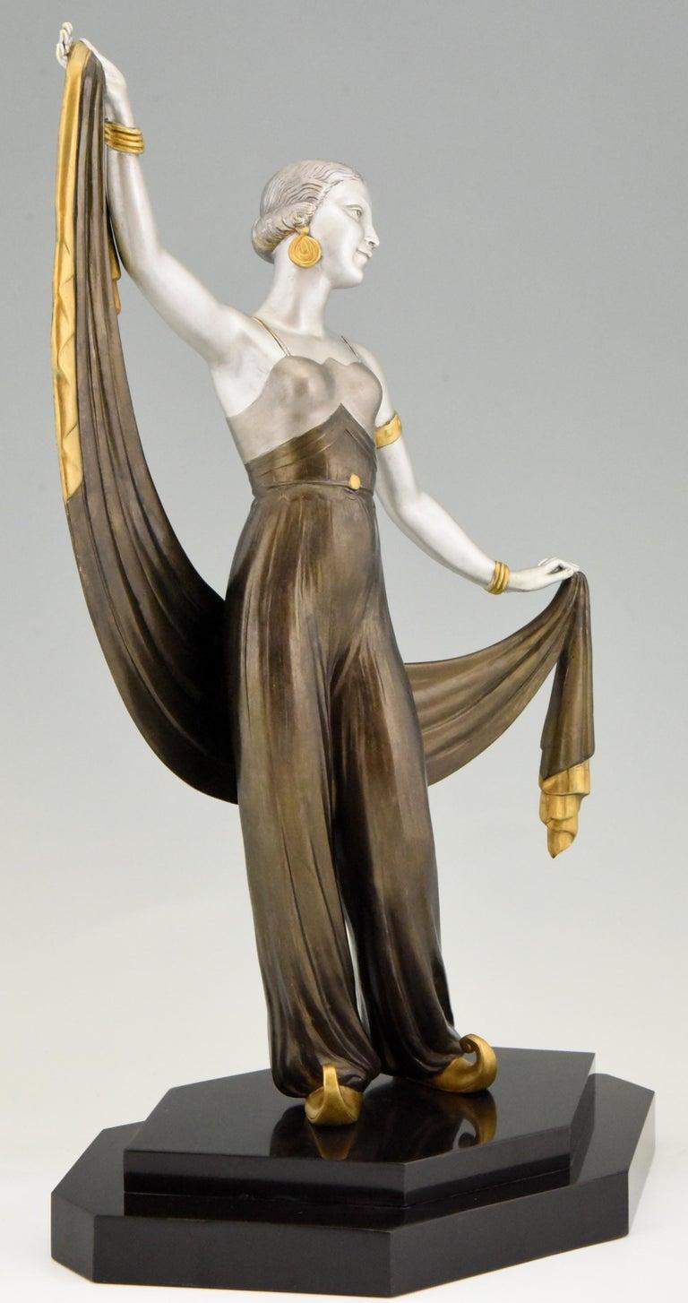 Art Deco Sculpture Harem Dancer Salvador, France, 1930 For Sale 1