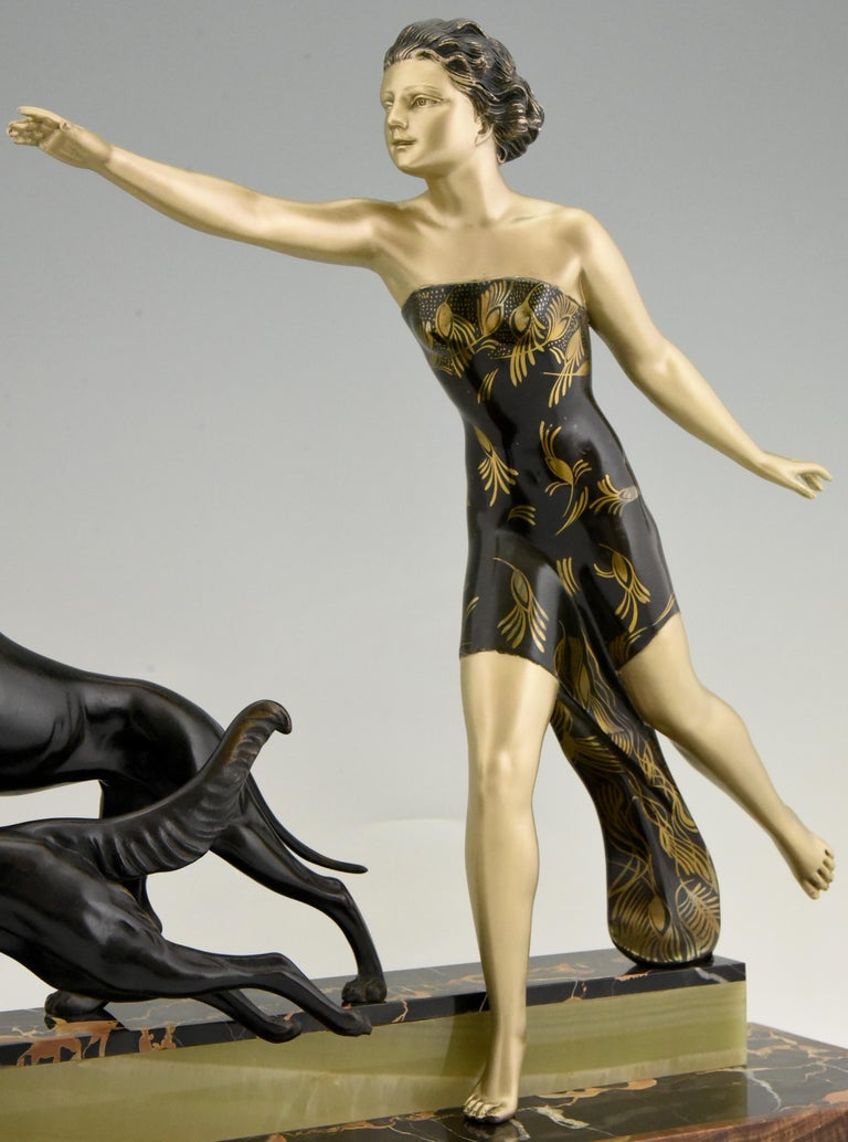 Art Deco Sculpture Lady with Dogs by Uriano, France, 1930 For Sale 3