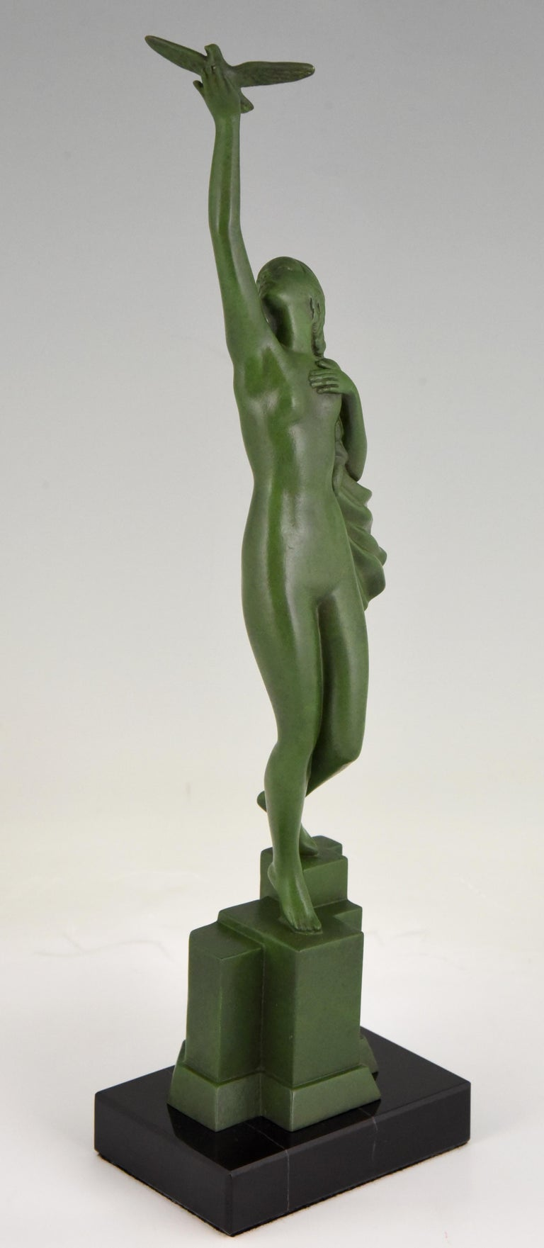 Art Deco Sculpture of a Nude with Dove Fayral Pierre Le Faguays, France, 1930 For Sale 1