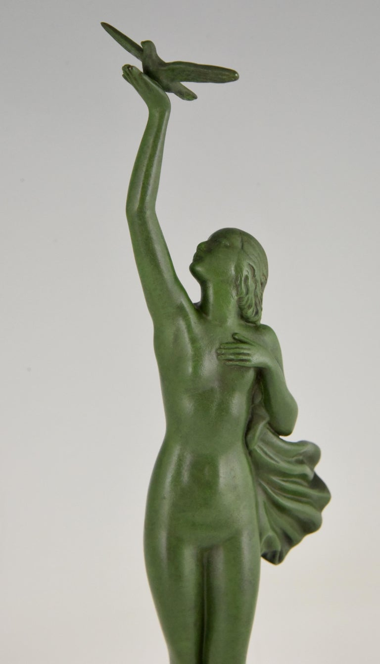 Art Deco Sculpture of a Nude with Dove Fayral Pierre Le Faguays, France, 1930 For Sale 2