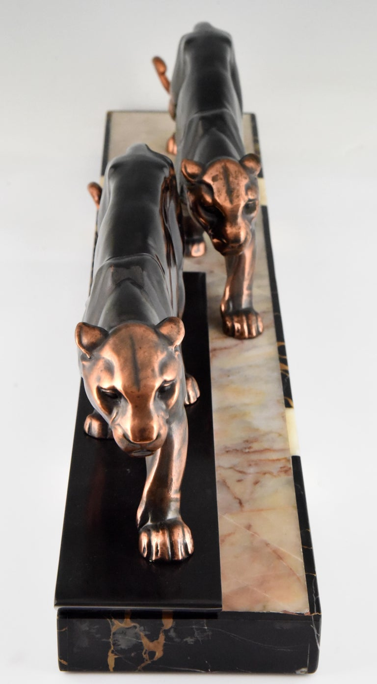 Patinated Art Deco Sculpture of Two Panthers Alexandre Ouline, France, 1930 For Sale