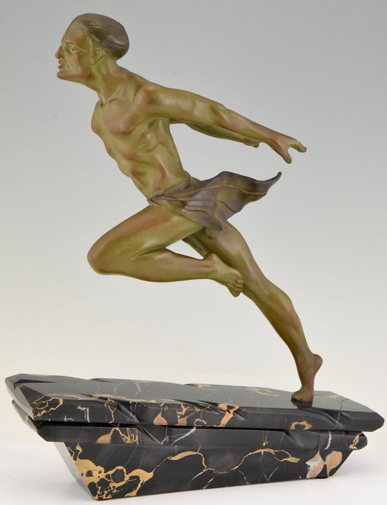 French Art Deco Sculpture Running Man or Athlète L. Valderi, France, 1930 For Sale